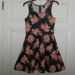 Rue21 Floral Pattern Dress Size M